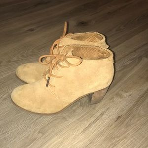 Shoes - Toms booties